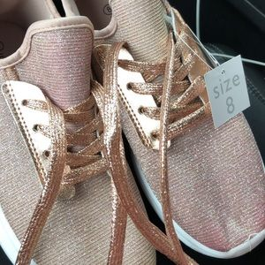 🔥🔥Rose gold sneakers